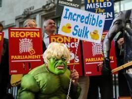 sogar hulk ist gegen boris: londoner protestieren vor supreme court