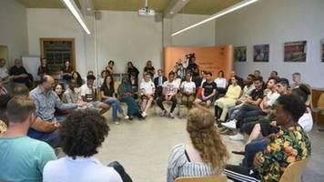 zwischenbilanz zeigt nachbesserungs-bedarf bei integrationskursen für zuwanderer