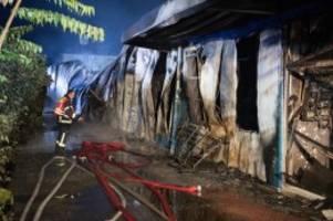 Feuerwehreinsatz: Feuer legt Einkaufszentrum in Wildau in Schutt und Asche