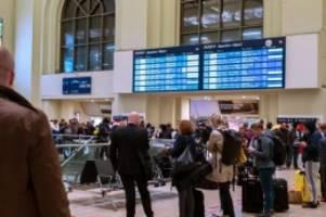 Streckensperrungen: Sturmtief sorgt im Norden für Störungen im Bahnverkehr