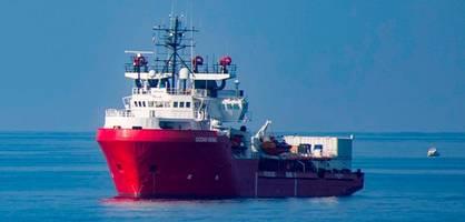 """""""ocean viking"""" rettet 48 flüchtlinge, streit zwischen italien und malta"""