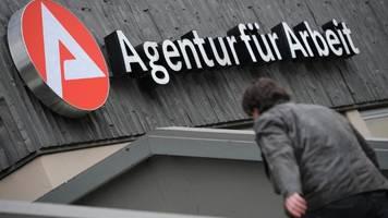 Alleinstehende Hartz-IV-Bezieher bekommen acht Euro mehr