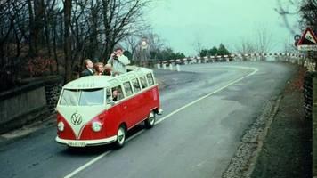 die bulli-legende : die bulli-legende - wie das arbeitstier der republik zum hippie-bus wurde