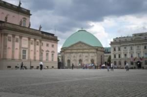 katholische kirche: mitte verhängt baustopp an der st. hedwigs-kathedrale