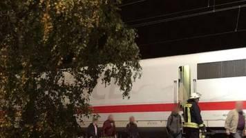 Verspätungen und Zugausfälle: Lage bei der Bahn entspannt sich nach Sturm im Norden