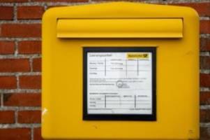 zahlen sinken weiter: weniger briefkästen und postfililaen