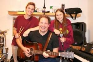 Harburg: Vater, Tochter, Sohn: Der erste Auftritt als Familienband