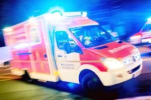 vollsperrung: schwerer unfall auf der b5 bei geesthacht – fünf verletzte