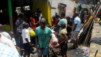 Tragödie in Liberia: Dutzende Kinder sterben bei Feuer in Schule