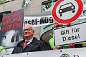 Deutsche Umwelthilfe mit Chef Jürgen Reisch - Dubiose Abmahnmethoden: Union und FDP wollen Umwelthilfe Gemeinnützigkeit entziehen