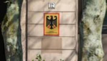Asylrecht: Frühere Bremer Bamf-Chefin wegen 121 Straftaten angeklagt