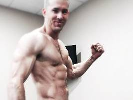Personal Trainer lobt Ergebnisse: Ryan Reynolds lässt die Muskeln spielen