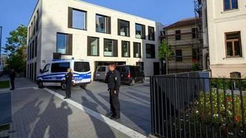 Mecklenburg-Vorpommern: Polizei überwältigt Geiselnehmer in Wismar – Mann hielt stundenlang Säugling als Geisel
