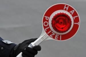 Kriminalität: Mit 2,29 Promille vor der Polizei geflüchtet: Unfall