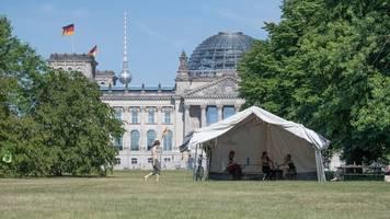 erneut protestcamp gegen klimapolitik am kanzleramt geplant