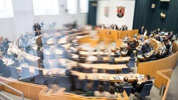 Klimaschutz,  Pflege und Geburtshilfe Themen im Landtag