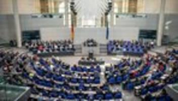 Offener Brief: Staatsrechtler fordern Verkleinerung des Bundestags