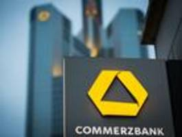 Die Commerzbank will 4300 Stellen streichen und 200 Filialen schließen