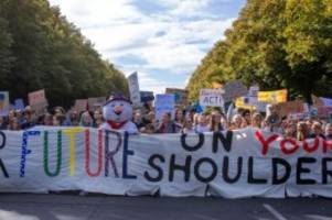 Klima: Veranstalter: 270 000 demonstrieren für Klimaschutz
