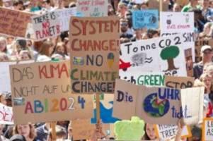 Demonstrationen: Proteste für Klimaschutz und Nachhaltigkeit gestartet