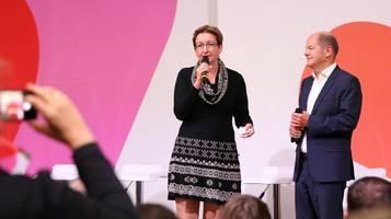 attacke auf spd-kandidatin geywitz: könnte eine 10.000er-geflügelfarm leiten