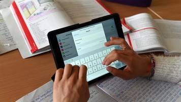 schul-digitalisierung: lehrerverband kritisiert wildwuchs