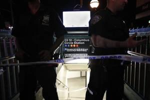 Entsetzen in den USA: Ein 16-jähriger wird erstochen. Und bis zu 70 jugendliche Zeugen tun ...