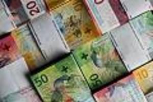 Banken leiden - Beispiel Schweiz zeigt, wo die Grenzen der Strafzinsen liegen