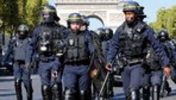 Klimastreik: Polizei in Paris setzt Tränengas gegen Demonstranten ein