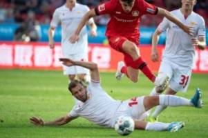Fußball: Leverkusen beendet Torflaute: Wieder Platzverweis für Union