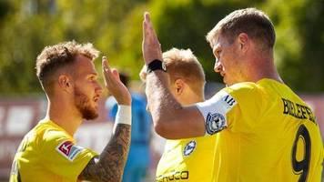 2. Liga: Stuttgart festigt Platz eins - Bielefeld feiert Tor-Gala
