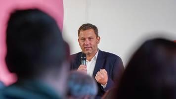 Lars Klingbeil schwänzt für Wiesn SPD-Kandidaten-Tour