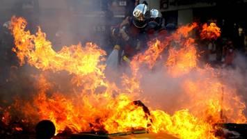Gelbwesten und Klima-Proteste in Paris: Schwere Ausschreitungen und Dutzende Festnahmen
