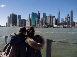 Sandsäcke und künstliche Dünen: New York verzweifelt an den Klimakosten