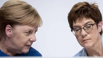 UN-Klimagipfel in New York: Merkel und AKK fliegen in zwei Maschinen in die USA