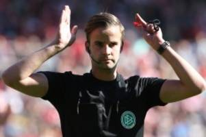 Fußball-Ticker: Schiedsrichter nimmt Wechsel vor: Drittligist erwägt Protest