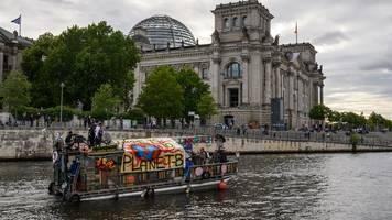 großer wurf oder fehlschlag?: hitzige debatte übers klimapaket der groko