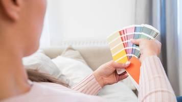 zweimal über kreuz: wände farbig streichen ohne schatten und flecken
