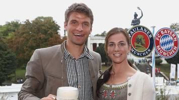 Lisa und Thomas Müller auf dem Oktoberfest: ein Abend,  zwei unterschiedliche Bilder