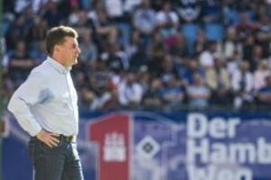 Fußball: HSV-Trainer Hecking trauert um seinen Vater