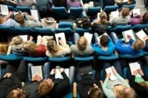 Hochschulen: Stabile Studierendenzahl an Hochschule Neubrandenburg