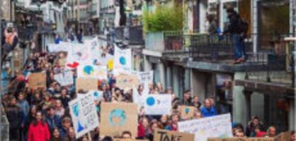 frutigen be : schule ging an klimademo - regierung äussert sich