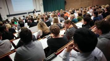 Hochschulen begehrt: Studenten-Zahl steigt auf fast 800.000