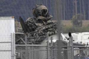 flugzeugabsturz: usa: sieben tote nach absturz von weltkriegsbomber