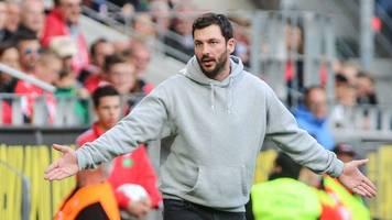 Mainzer Trainer Sandro Schwarz hat Spiel im Bus verfolgt