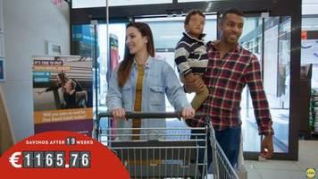 Irland: Eine junge Familie dreht eine Werbung für Lidl – wenige Wochen später ergreift sie die Flucht