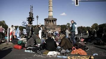 minister scheuer findet klima-verkehrsblockaden unsäglich