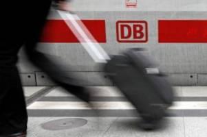lüneburg: 22-jähriger zündet abfallbehälter in reisezug an