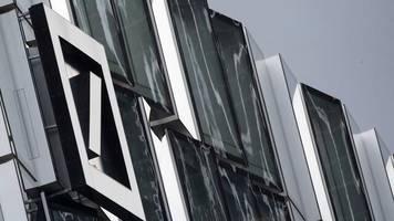 Deutsche Bank: Konzernumbau könnte tausende Jobs in Deutschland kosten
