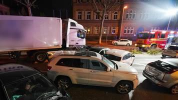 limburg: terrorakt? lkw fuhr mit absicht in autos – polizei ermittelt